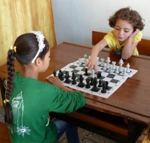 activiteiten in de zomerschool voor weeskinderen
