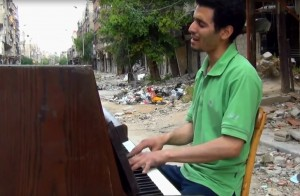pianist in Yarmouk, Damascus 2014